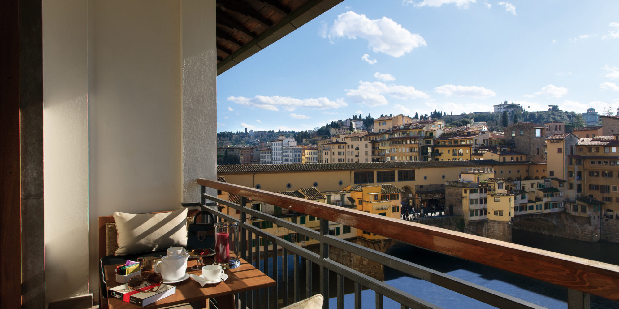 Portrait Firenze Private terrace with Arno view, your exclusive spot from where admire the jem of the Reinessance: Florence. And the beautiful hills that surrounded the city.
