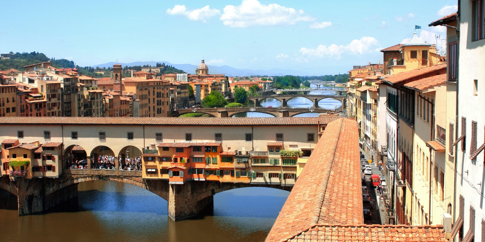 Vasari corridor is an exclusive visit, a real privilege to walk the same corridor the Medici's family used to move from Palazzo Vecchio and Pitti Palace